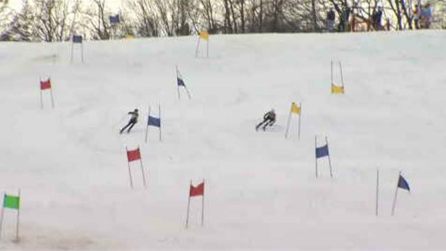 Skiers enjoy warm temperatures during skiing competition (WFSB)