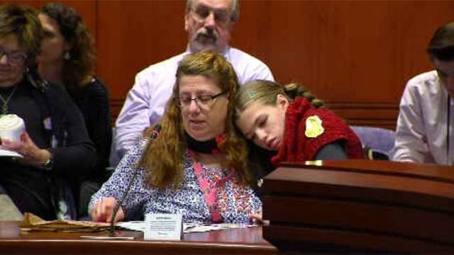 Cyndimae Meehan is seen here with her mom Susan Meehan as she talks to lawmakers earlier this month. (WFSB)