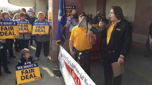 Dozens of people rallied outside Stop and Shop in East Hartford on Wednesday over union wages. (WFSB)