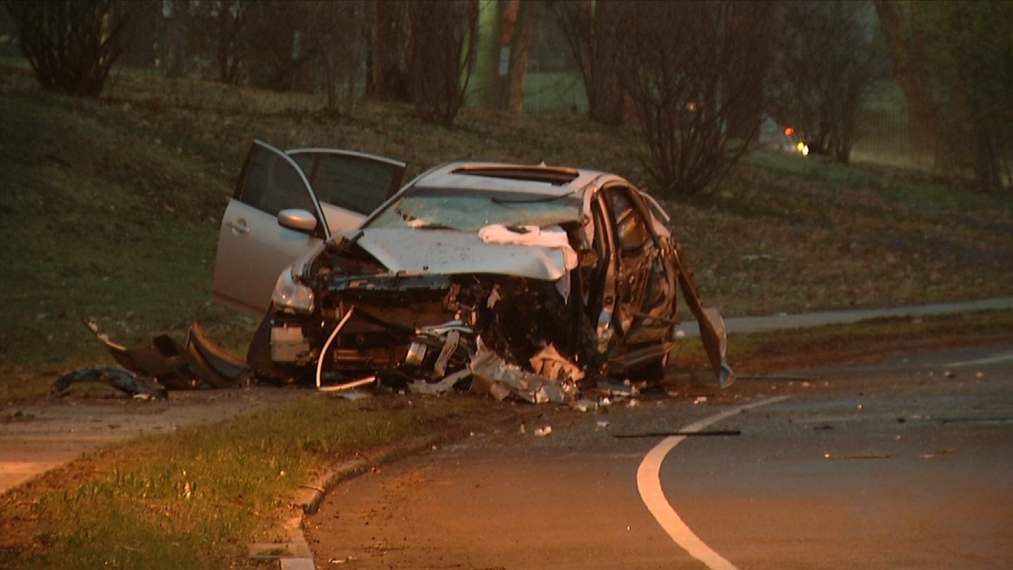 One person was killed in an overnight crash on Asylum Avenue in Hartford. (WFSB photo)
