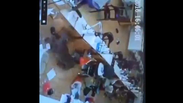 Deer crashes through Hartford nail salon window (iwitness)