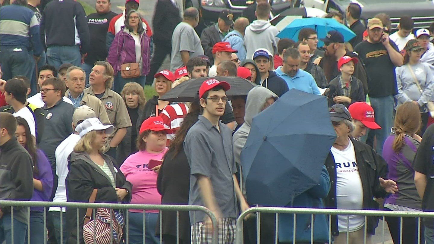 There were about 3,000 Trump supporters in attendance on Saturday. (WFSB)