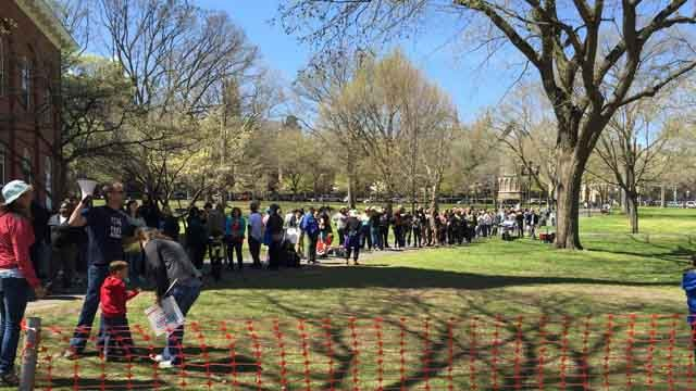 Hundreds lined up ahead of the Bernie Sanders rally in New Haven. (WFSB)