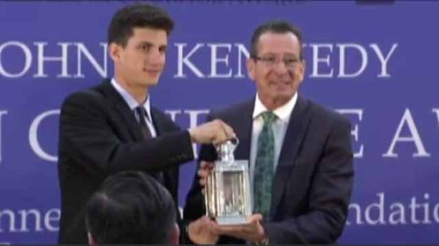 Connecticut governor gets JFK award for pro-refugee stance (CBS News)