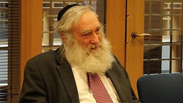 Rabbi Daniel Greer. (New Haven Independent photo)