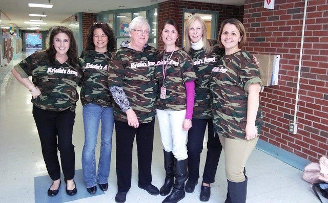 Liberty Bank SurPRIZE Squad visits teacher, mom of 2 battling cancer (WFSB)