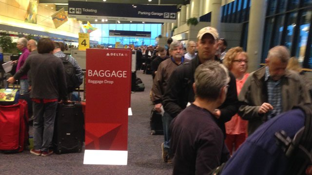 Long lines were reported at Bradley International Airport in Windsor Locks Monday. (iWitness photo)