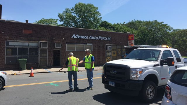 Albany Avenue in Hartford is closed after a gas leak. (WFSB)