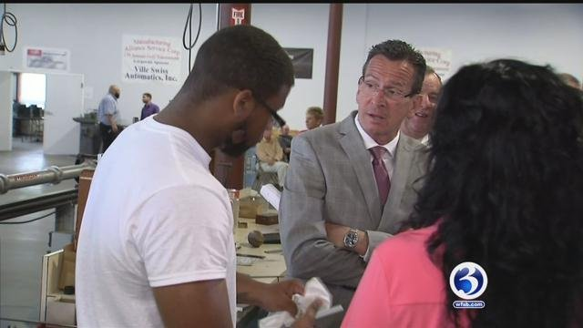 Gov. Malloy visits Waterbury training center. (WFSB)