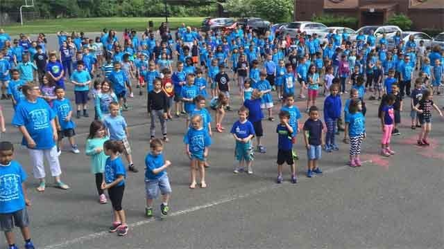 Hundreds of students at Hop Brook Elementary School are ending the school year with a new twist on Taylor Swift's big hit. (WFSB)
