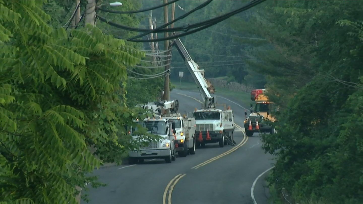 Route 185 was closed in Bloomfield due to an overnight crash. (WFSB photo)