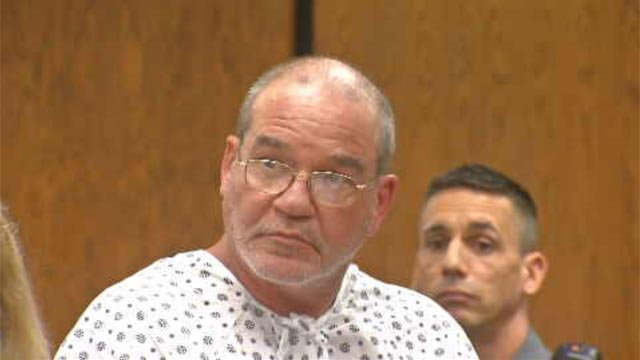 Robert Du Perry appears in court (WFSB)