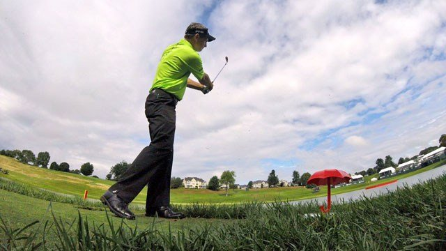 Mark Wilson tees off for charity at the 15 1/2 hole at the Travelers Championship. (@TravelersChamp photo)