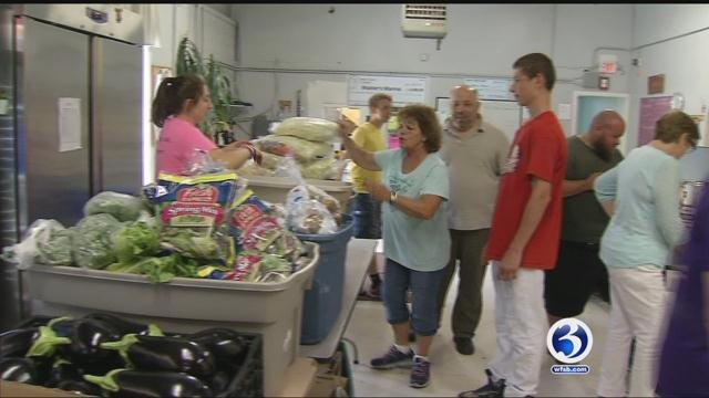 Travelers Championship donates to Master's Manna Food Pantry in Wallingford. (WFSB)