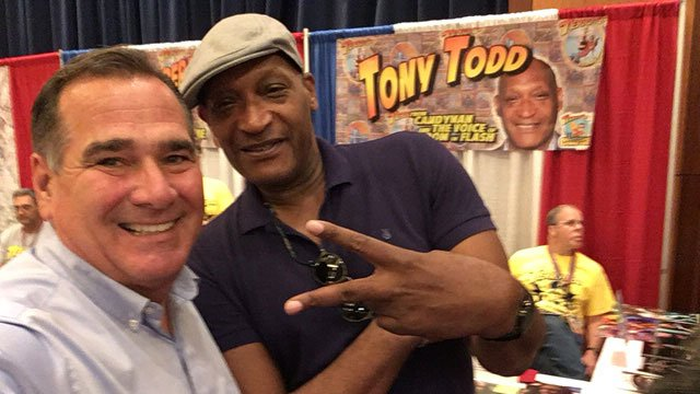 Hartford native and actor Tony Todd poses for Channel 3 anchor Kevin Hogan at Terrificon. (WFSB)