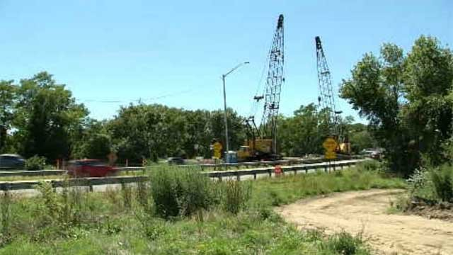 Bridge construction will close lanes on Interstate 95 in Waterford starting on Monday (WFSB)