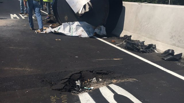 Equipment fell off thetractor-trailer and damaged the lanes on I-95 in West Haven. (CT State Police)