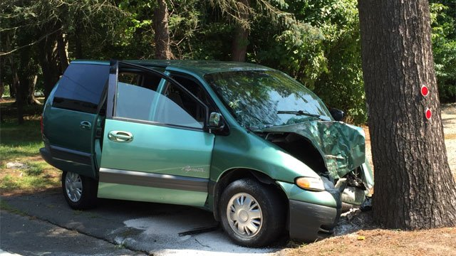 One person died in a motor vehicle crash on Route 10 in Simsbury. (WFSB)