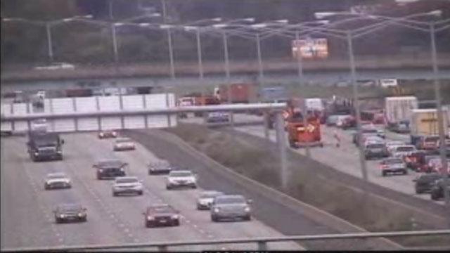 State police cruiser involved in crash on I-91 in Windsor. (CT DOT)