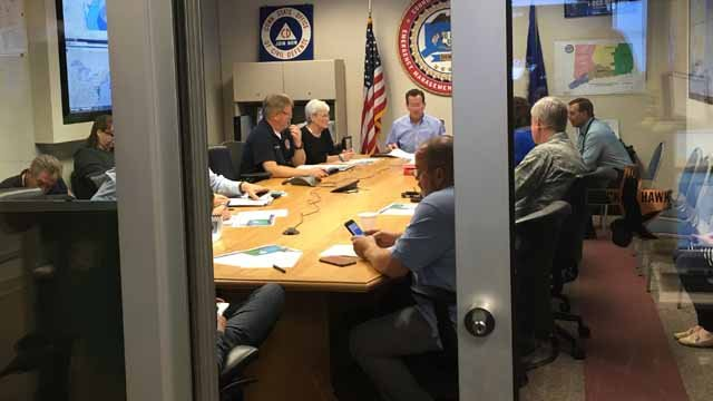 Gov. Malloy gets briefed at the Emergency Operations Center on Sunday morning (WFSB)