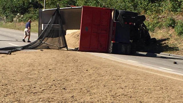 A dump truck rolled over on I-395 south in Norwich Monday morning. (Max Regardo/iWitness photo)