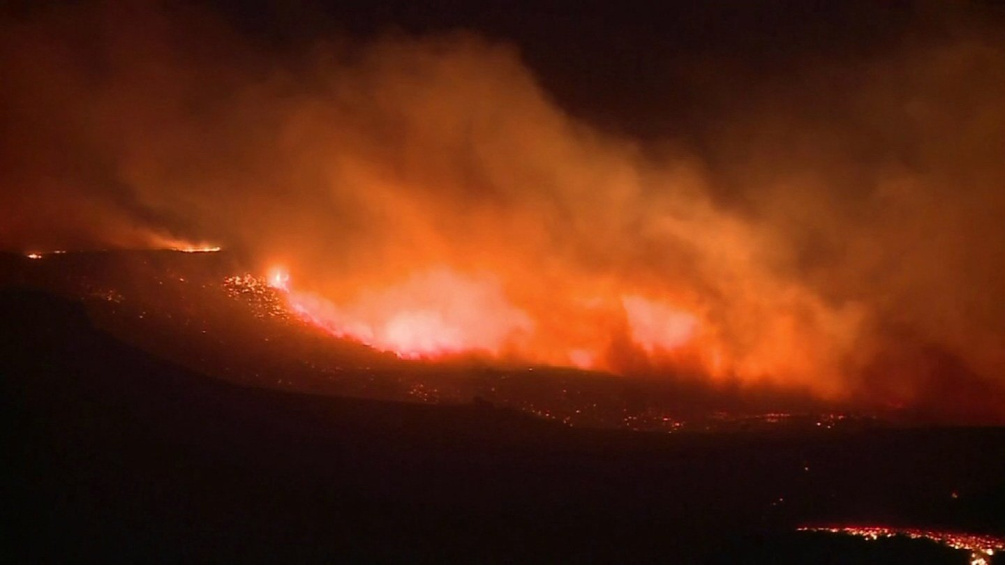 Firefighters from Connecticut traveled to Boise, ID to battle this wildfire. (WFSB photo)