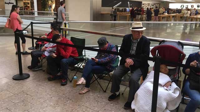 People were lining up early for the release of the new iPhone (WFSB)