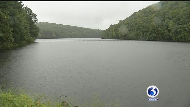 Algae has been growing in a local reservoir in Meriden (WFSB)