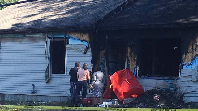 A 6-year-old girl was killed in a house fire in Plainfield late Wednesday night. (WFSB photo)