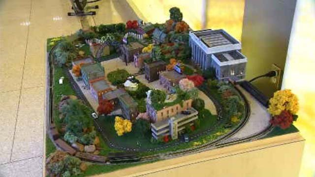 Cancer survivor shares love of model trains with Smilow Cancer Hospital (WFSB)