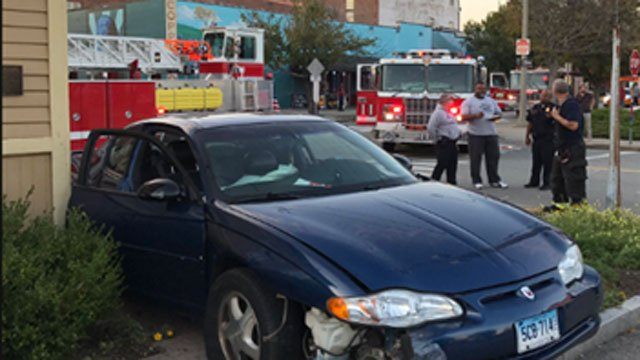 Three people were taken to hospital after crash in New London. (@Local1522)