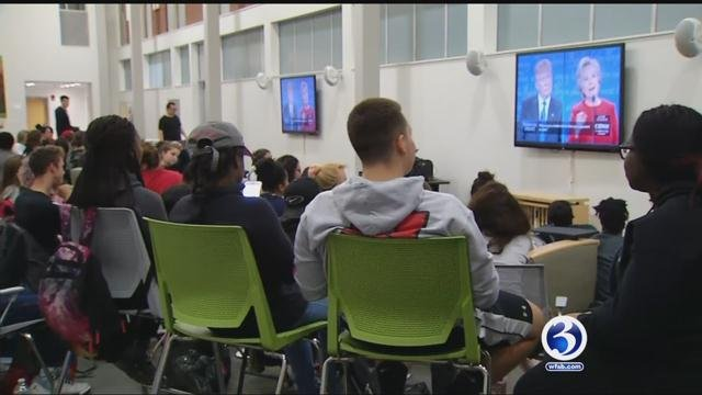 Students at the University of Hartford watch the first 2016 presidential debate. (WFSB photo)