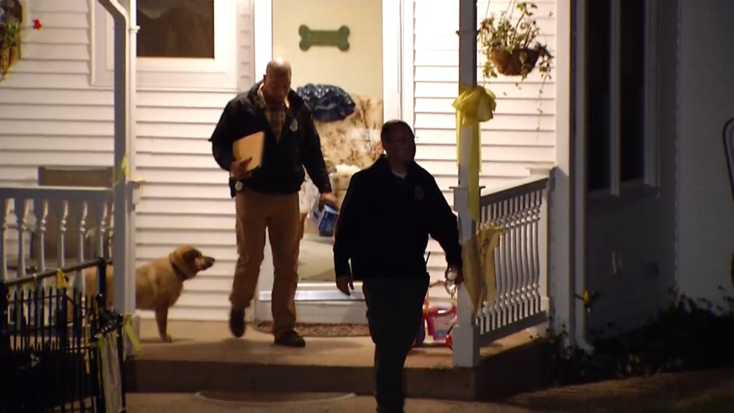 Investigators searched the home of Linda Carman Thursday night. (WFSB photo)