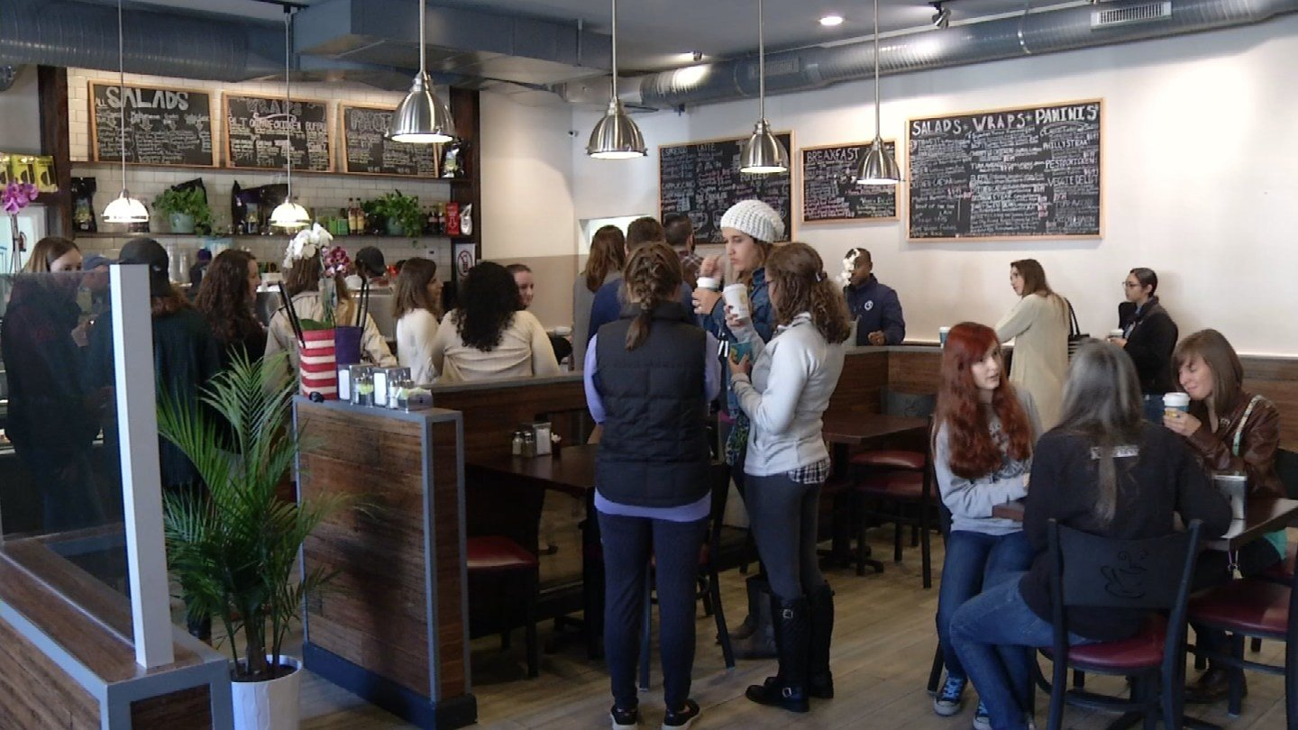 Fans of Gilmore Girls visited two restaurants in Hartford made up to look like show's Luke's Diner. (WFSB)