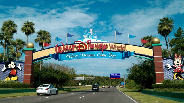The Walt Disney World entrance in Orlando, FL. (Wikimedia photo)