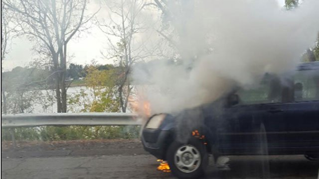 Car fire reported on I-91 in Wethersfield. (Chris Ambrosio)