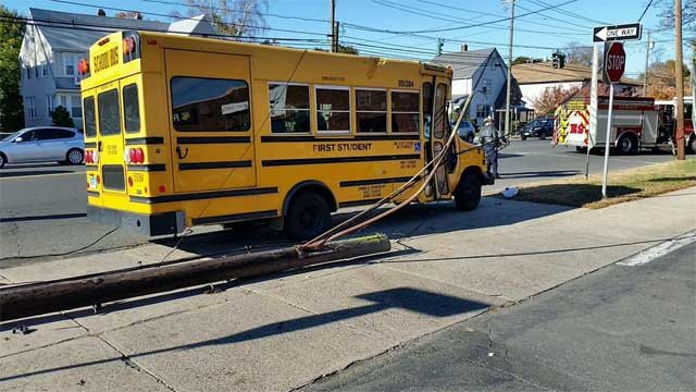 No students were on the bus when it crashed (Hamden Fire Dept.)