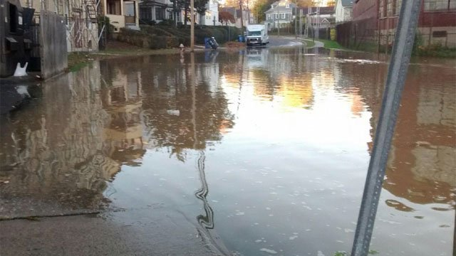 Crews investigating possible double water main break in Hartford on Friday evening. (@LtFoley)