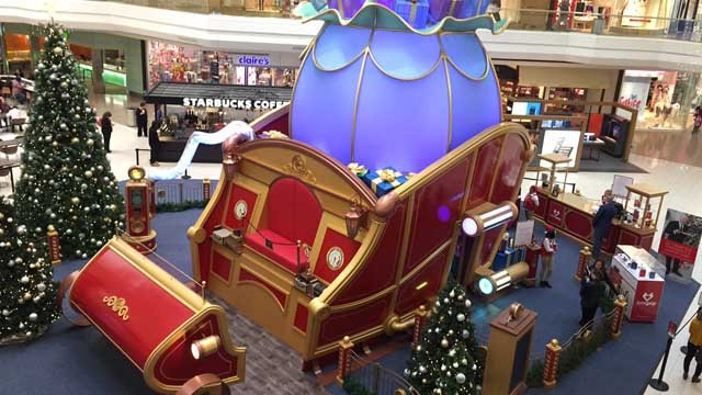 Santa's sleigh at the Westfarms Mall. (WFSB photo)