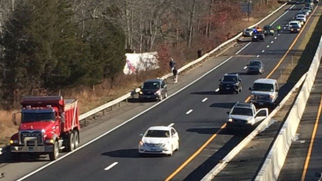 A crash involving a tractor trailer closed I-95 south in Old Lyme Thursday morning. (Cindy Stannard/iWitness photo)