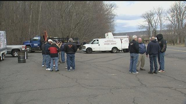 Members of the Machinists Union rallied outside the Pratt & Whitney plant in Middletown. (WFSB)