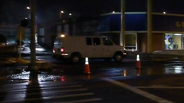 Crews are working to repair a water main break a few blocks north of downtown Hartford (WFSB)