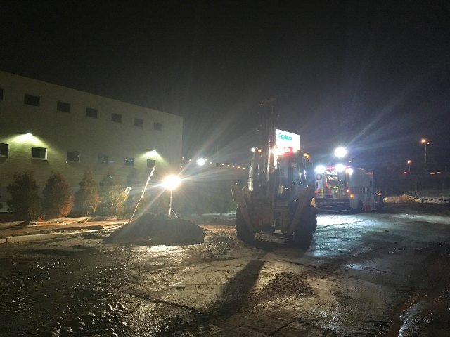 Work is underway to repair a water main break in Hartford (WFSB).