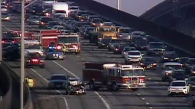 Crashes reported on Gold Star Bridge in New London. (CT DOT)