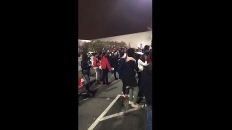 Several fights broke out at Buckland Hills mall Monday night, prompting the mall to close (iwitness)