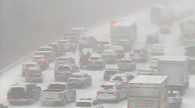 Nearly 30 car pileup accident on I-91 during snow storm (New Haven