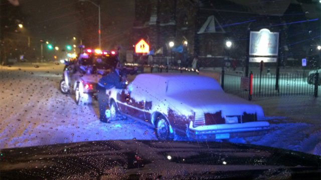 Police have started towing cars in Hartford because some drivers are not obeying the parking ban. (@LtFoley)