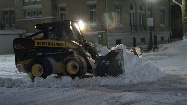 Clean up begins in New London after Winter Storm Breanna (WFSB)