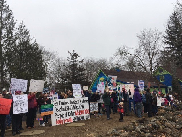 Protestors gathered in East Haddam Saturday morning to show support for those marcing in Washington (WFSB).
