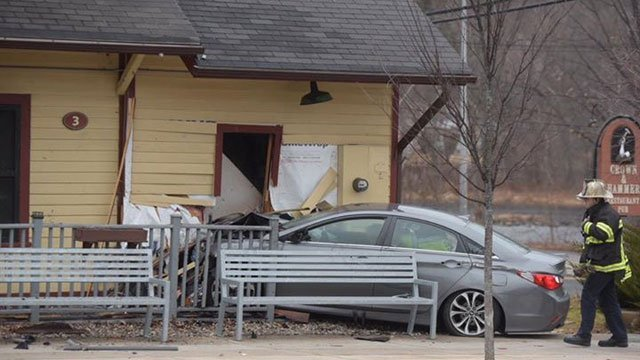 A vehicle crashed into the Crown and Hammer Restaurant in Canton on Monday. (WFSB)
